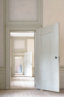Looking For Custom Entry Doors Or Customized Entry Doors According To Specific And Special Requirement?
